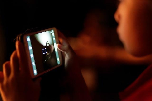 Proteggere i minori online: come fare e perché farlo