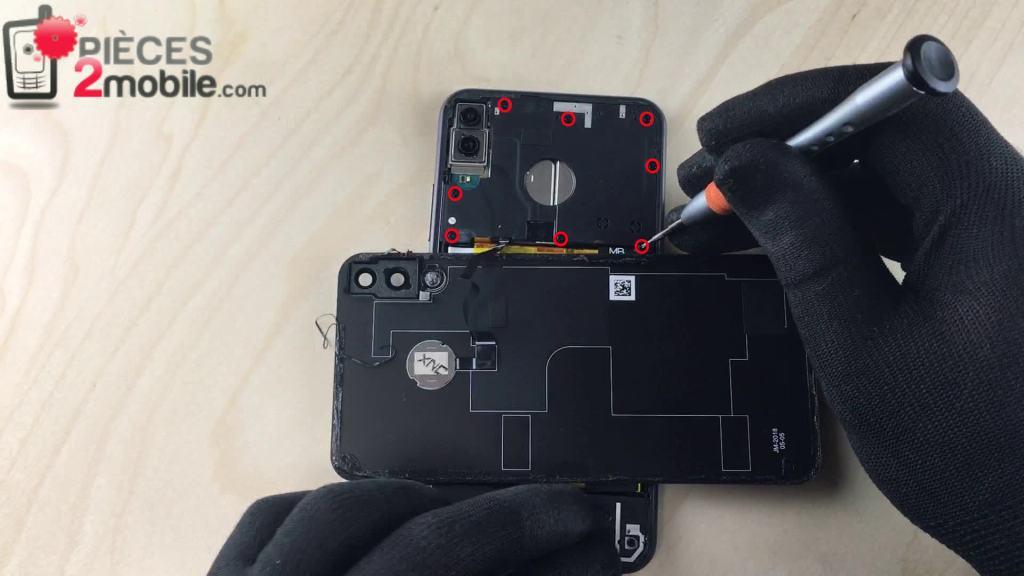 Dévissage du cache de protection de la carte mère du Zenfone 5
