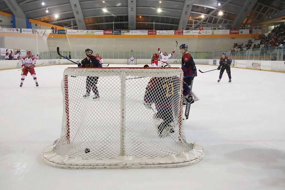 APRÈS SKI. Hockey en Jaca.