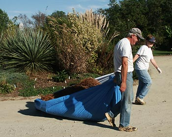 Volunteers Sally & Eric Benson keeping JLBG beautiful.