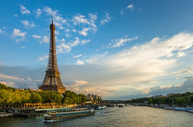 European River Tours: Eiffel Tower on River Seine