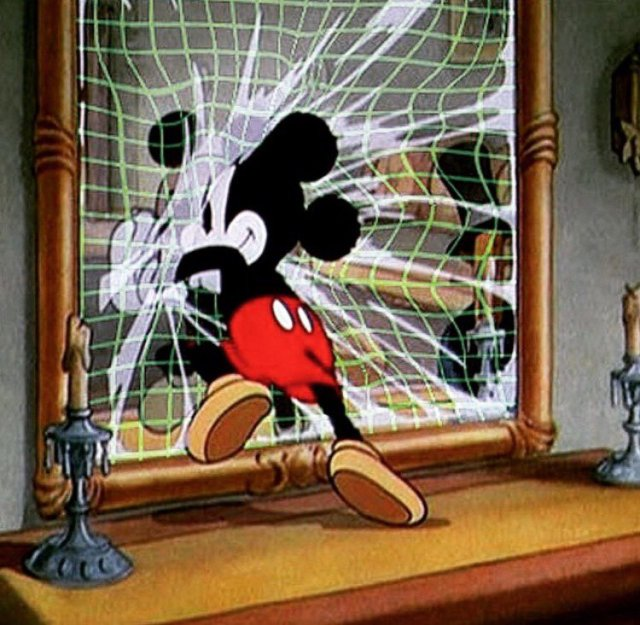mickey-mouse-mirror-grid