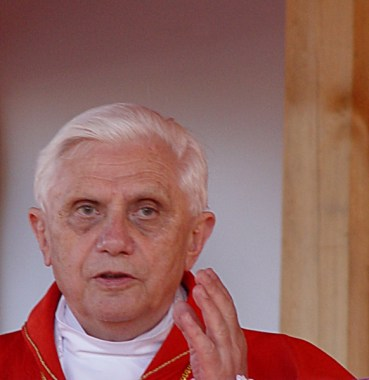 583px-Ratzinger_Szczepanow_Derivative