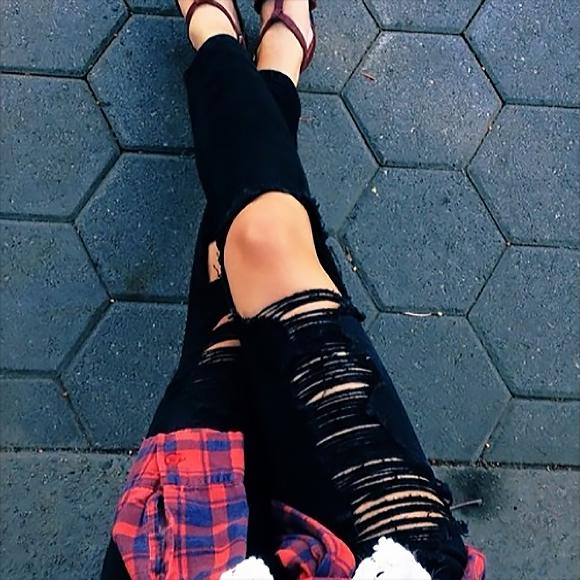 031315_all black everything_distressed denim