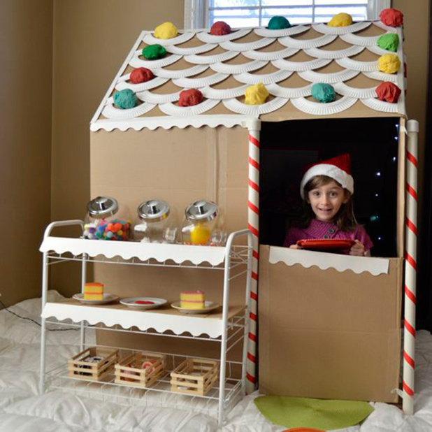 Gingerbread-CardboardHouse
