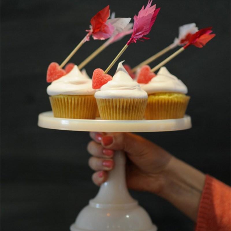 OhHappyDay-ValentinesDayArrowCupcake