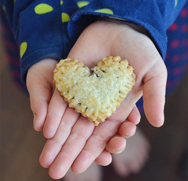 ValentinesDayBreakfast-HeartPopTart