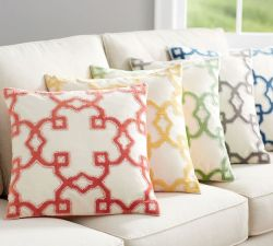 trellis-velvet-applique-pillow-cover-o