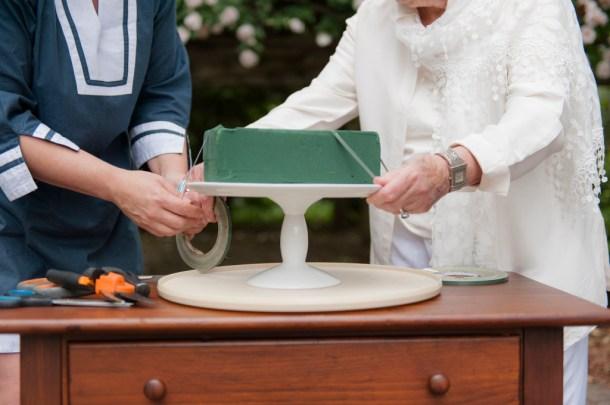 DIY: Cake Stand Centerpiece