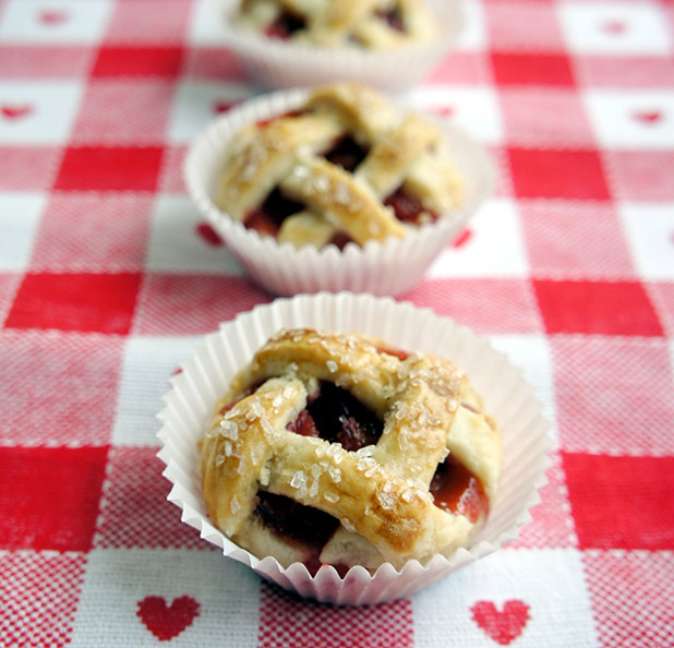 Strawberry-Mini-Pies