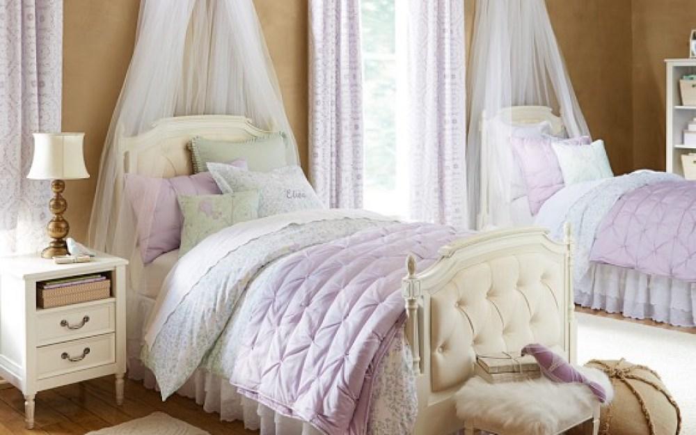 Eliza Isla Bedroom