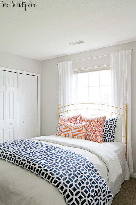 guest-bedroom-bed