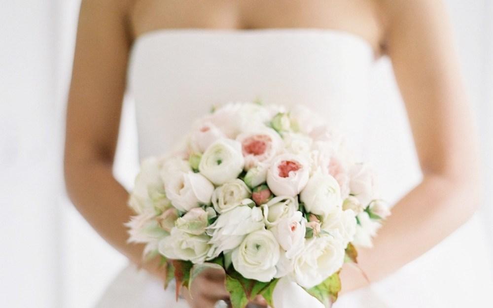Classic Dress White Rose Bouquet