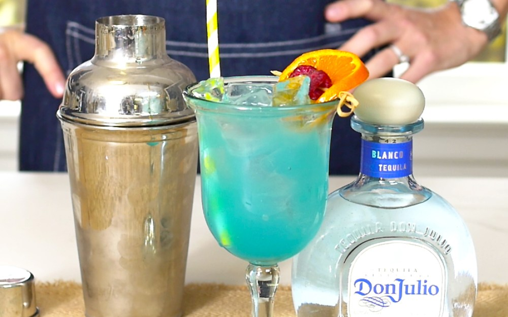 Summer Cocktail Blue Margarita 1