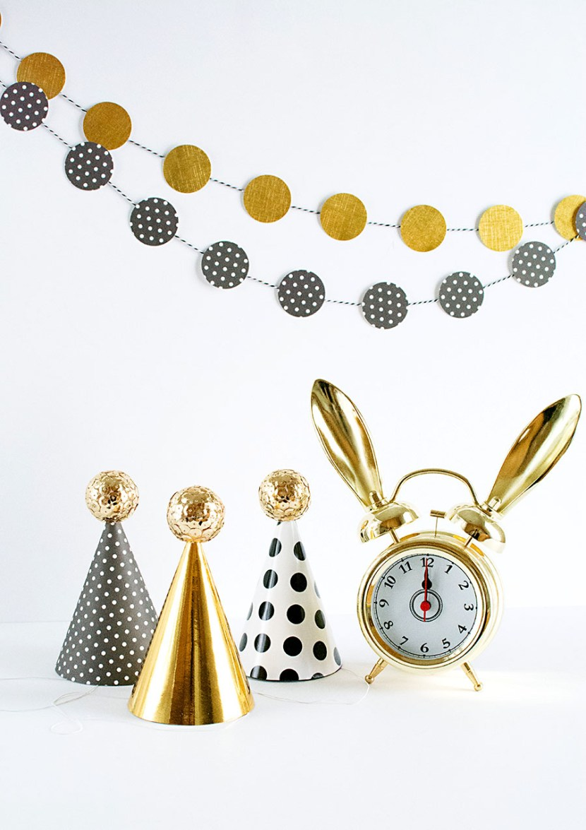 DIY-Sequin-Ball-Party-Hats