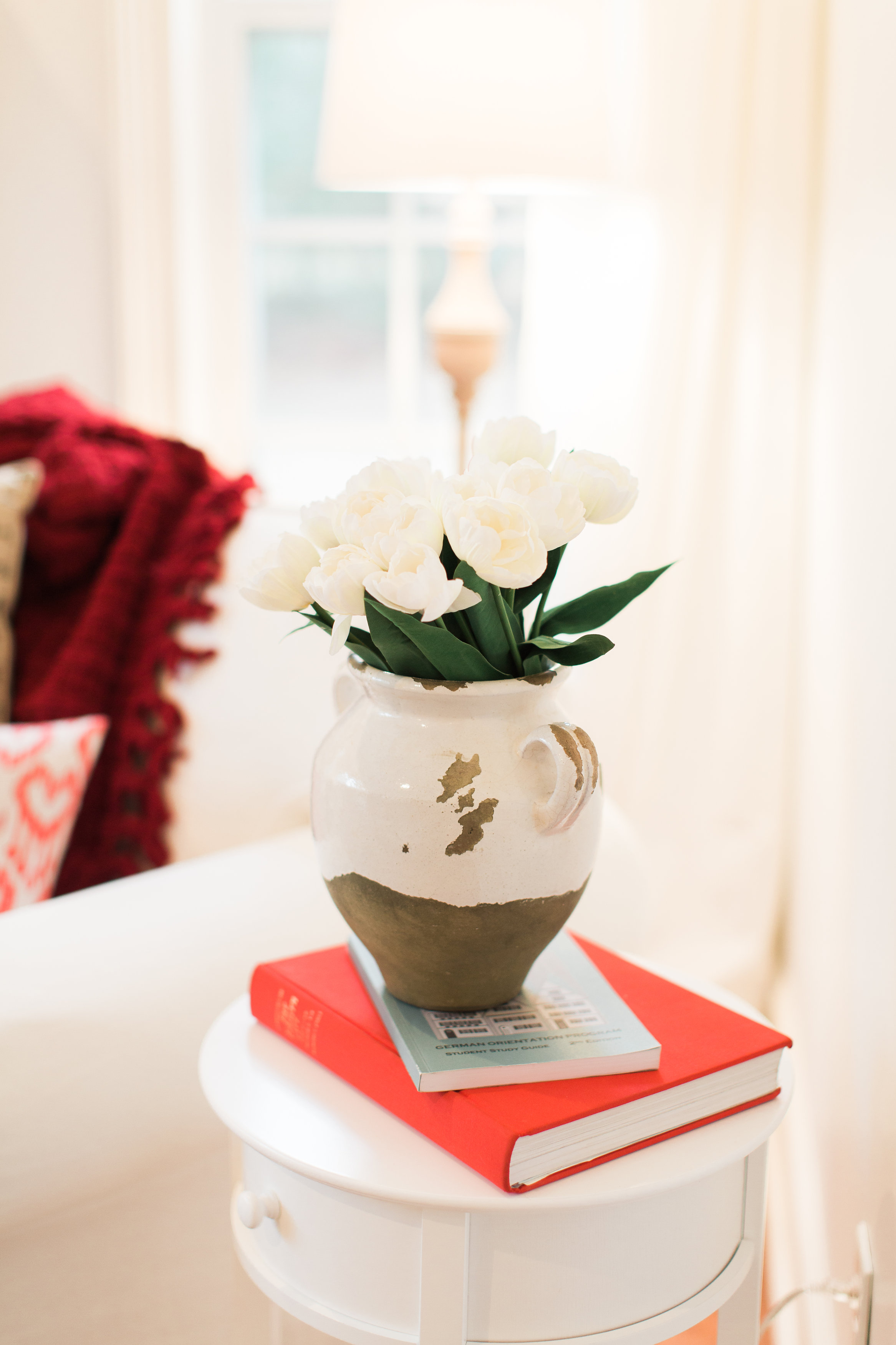 Tip 2: Pick your flowers. Solid colors always look great together. Faux  tulips are a classic stunner and so are a dozen fresh roses.