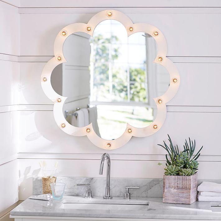 clover-light-up-mirror-o