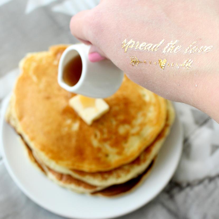 6-make-your-partner-breakfast-in-bed-v2