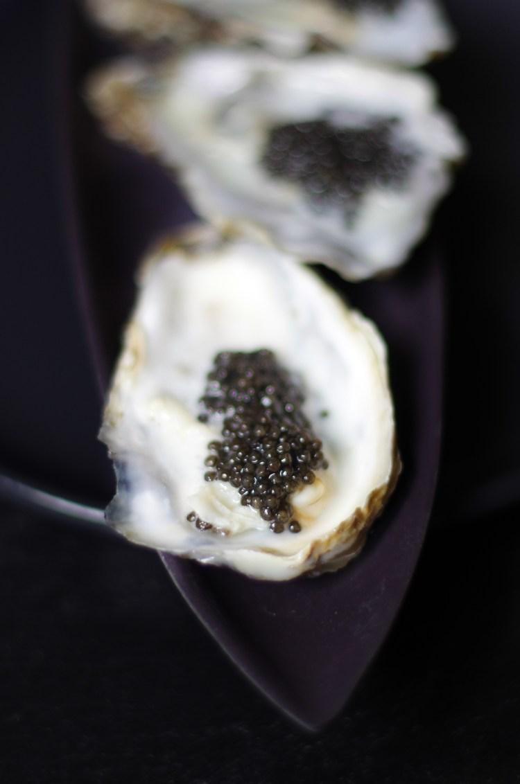 Huitres écume de caviar