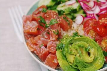 recette de pokebowl au saumon fumé