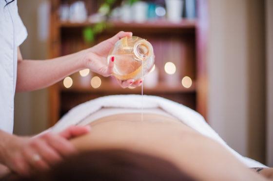 huile de massage bio pour femme - pranaloé boutique de cosmétiques bio en ligne
