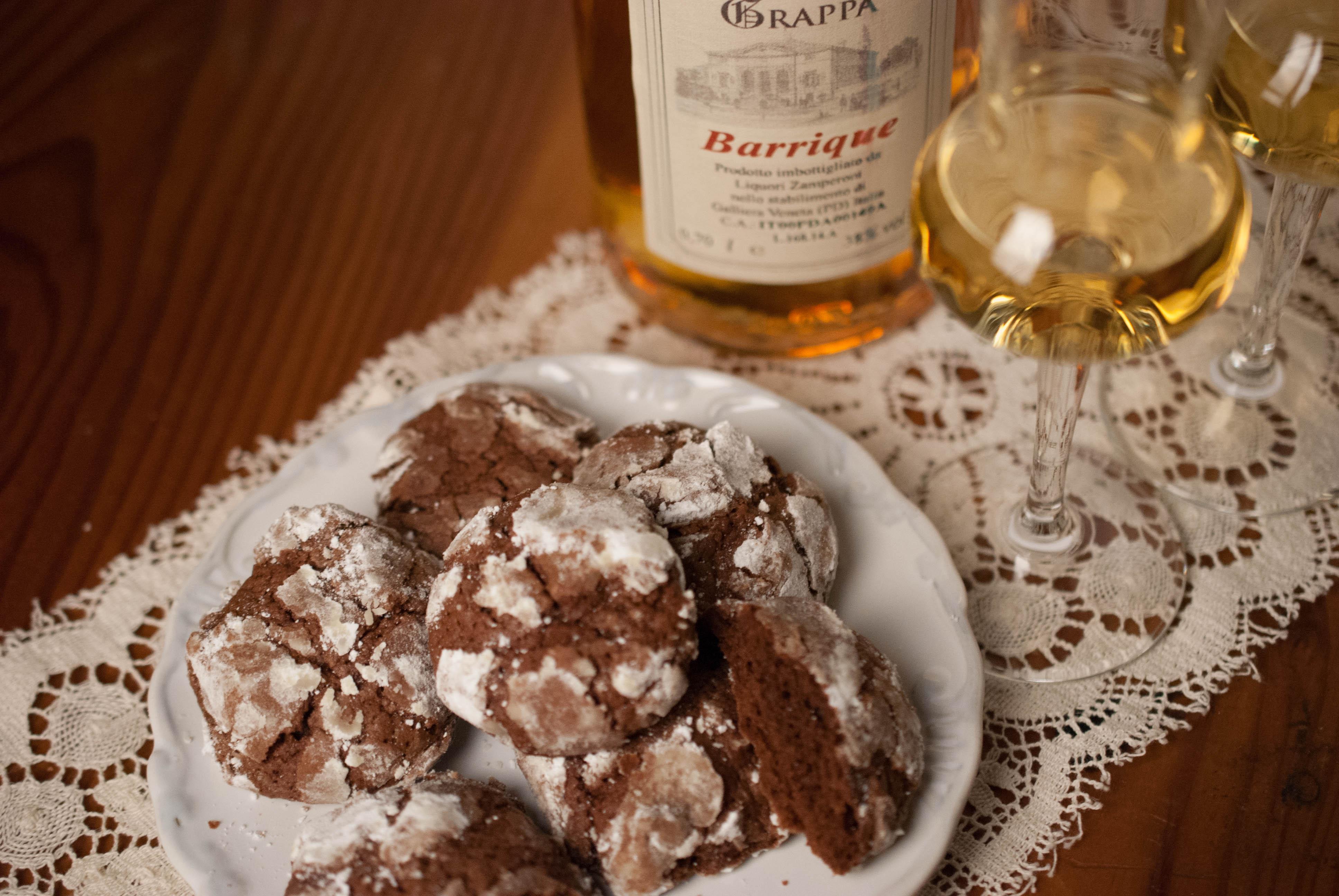 biscotti al cioccolato profumati con grappa