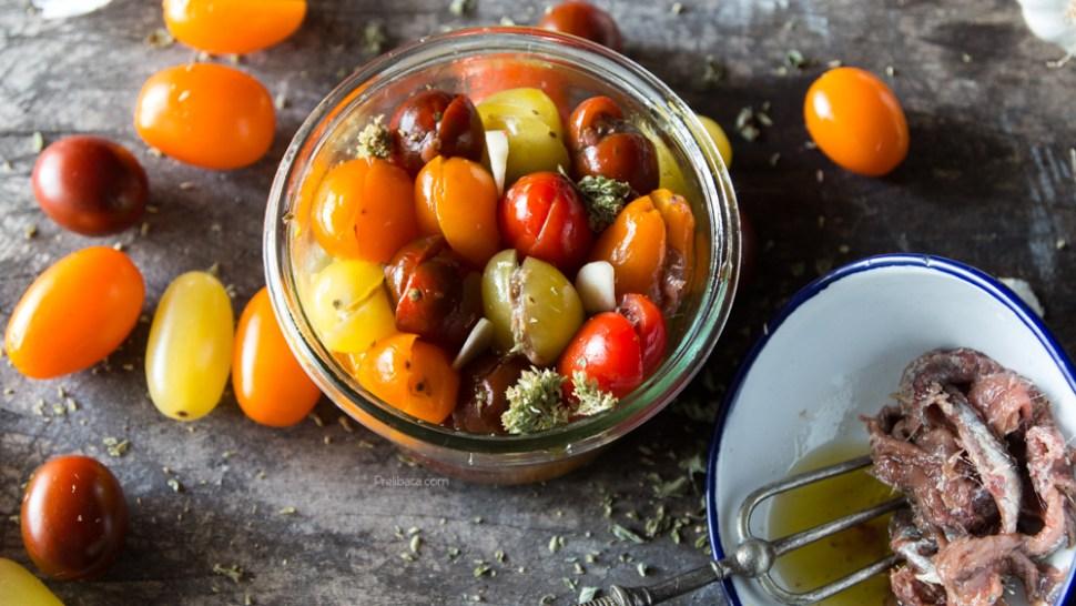 pomodorini e acciughe