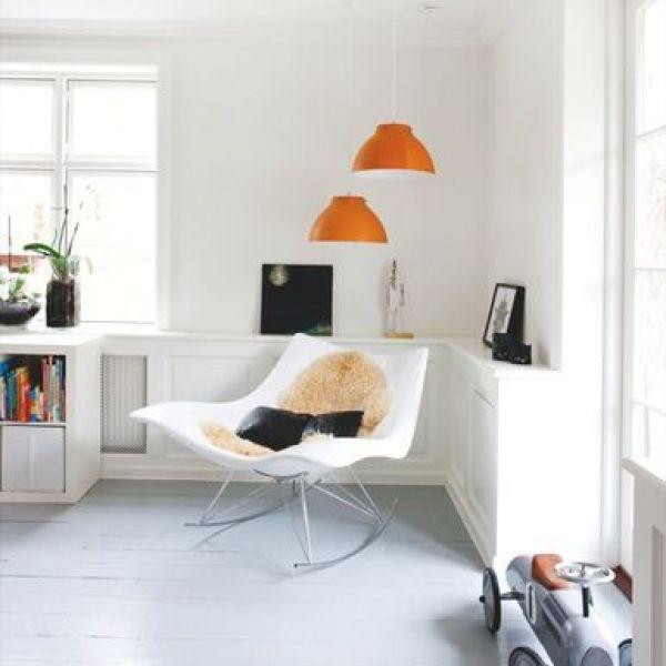 Suspensions orange - Image trouvée sur boligmagasinet.dk