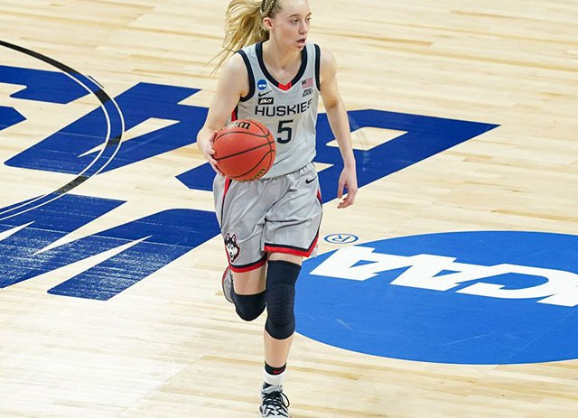 Freshman Paige Bueckers is Best Player in Basketball