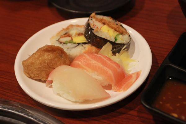 壽司盤,海苔部分已經論掉了...><