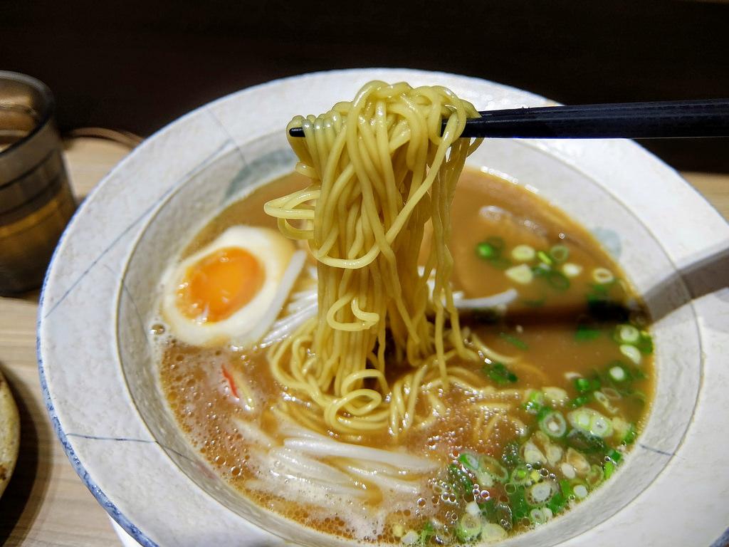 高雄-前金區-櫻花食堂|日式拉麵