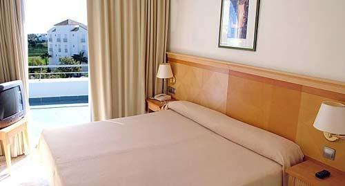 Hotel Gran Colon Costa Ballena 4*