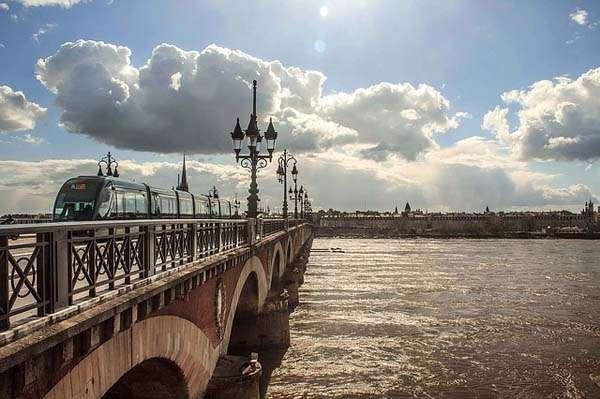 pont-pierre-de-burdeos
