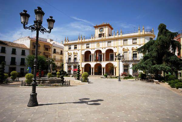 Plaza de Priego, pueblos con encanto de Córdoba