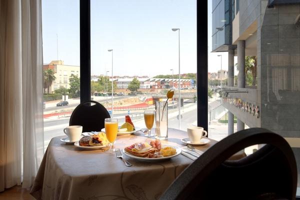 Hotel Exe Sevilla Palmera, Sevilla