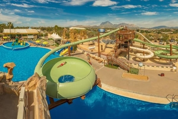 Magic Robin Hood Lodge Resort- Hoteles con toboganes en Benidorm