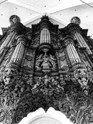 Die Orgelempore in der Erlöserkirche