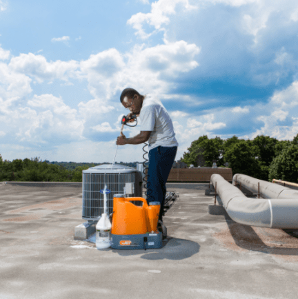 CoilJet CJ-125: Cleaning on rooftops without any water / power outlet