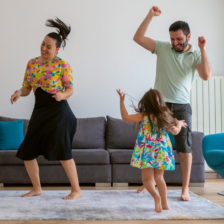 It's time for a family dance party!