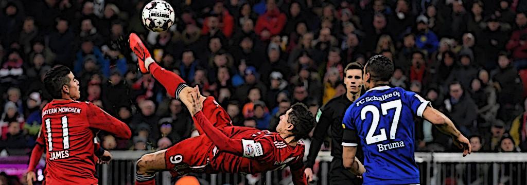 Lewy's spectacular effort v Schalke