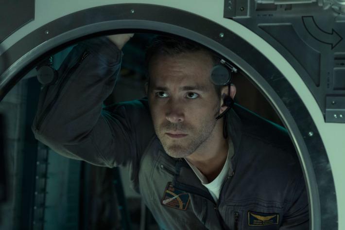 Ryan Reynolds in Life.