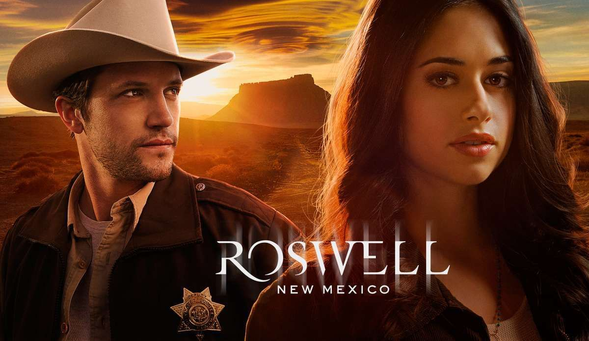 """Nathan Parsons and Jeanine Mason star in the reboot: """"Roswell, New Mexico"""""""