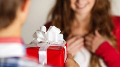dar um presente para pessoa amada
