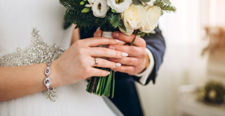 que tipo de joia usar em um casamento