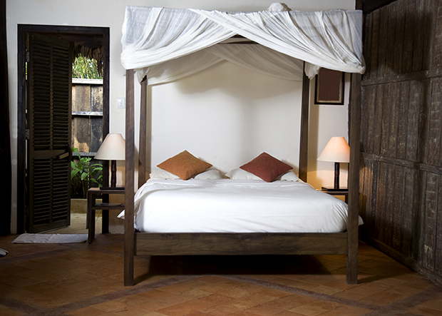 Get The Look A Romantic Rustic Bedroom Rent A Center Front Amp Center
