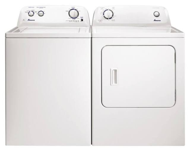 White Amana Washer and Dryer Set
