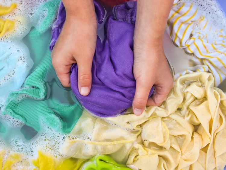 Best Ideas for How to Keep Colors from Fading in the Laundry