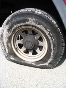 Flat tire rueda