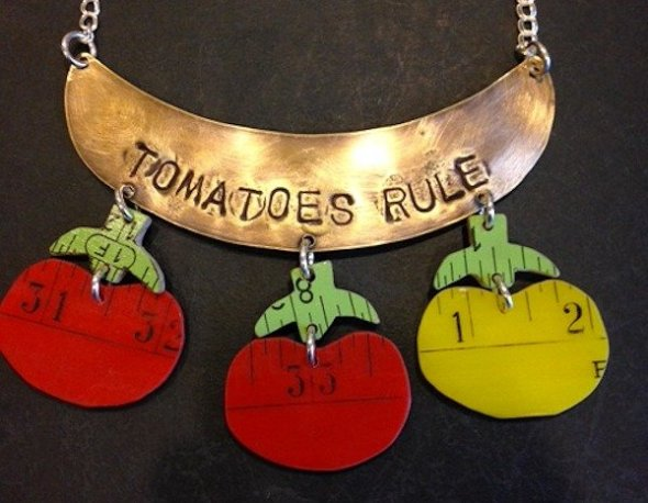 Tomatoes Rule - source: Art & Invention Gallery