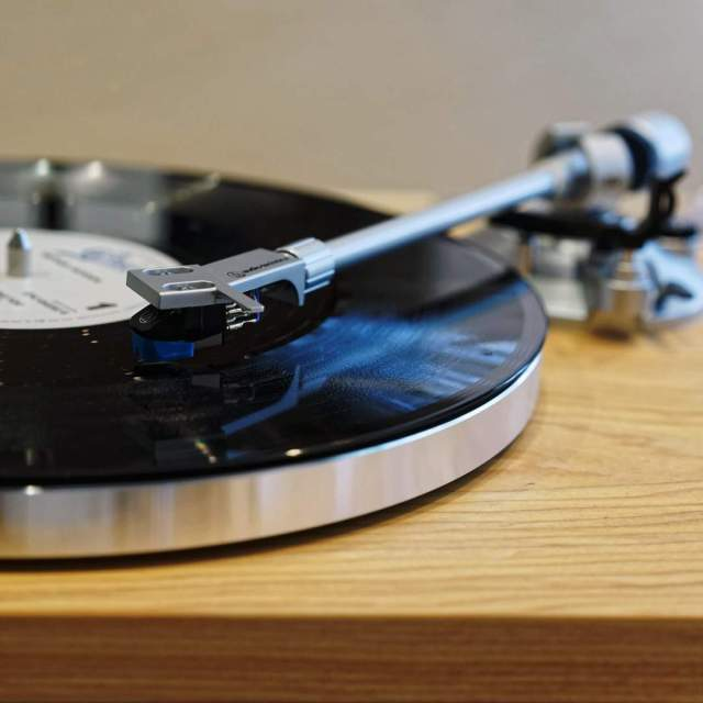 platine-audio-technica-lpw30tk-retrofutur-instagram-1